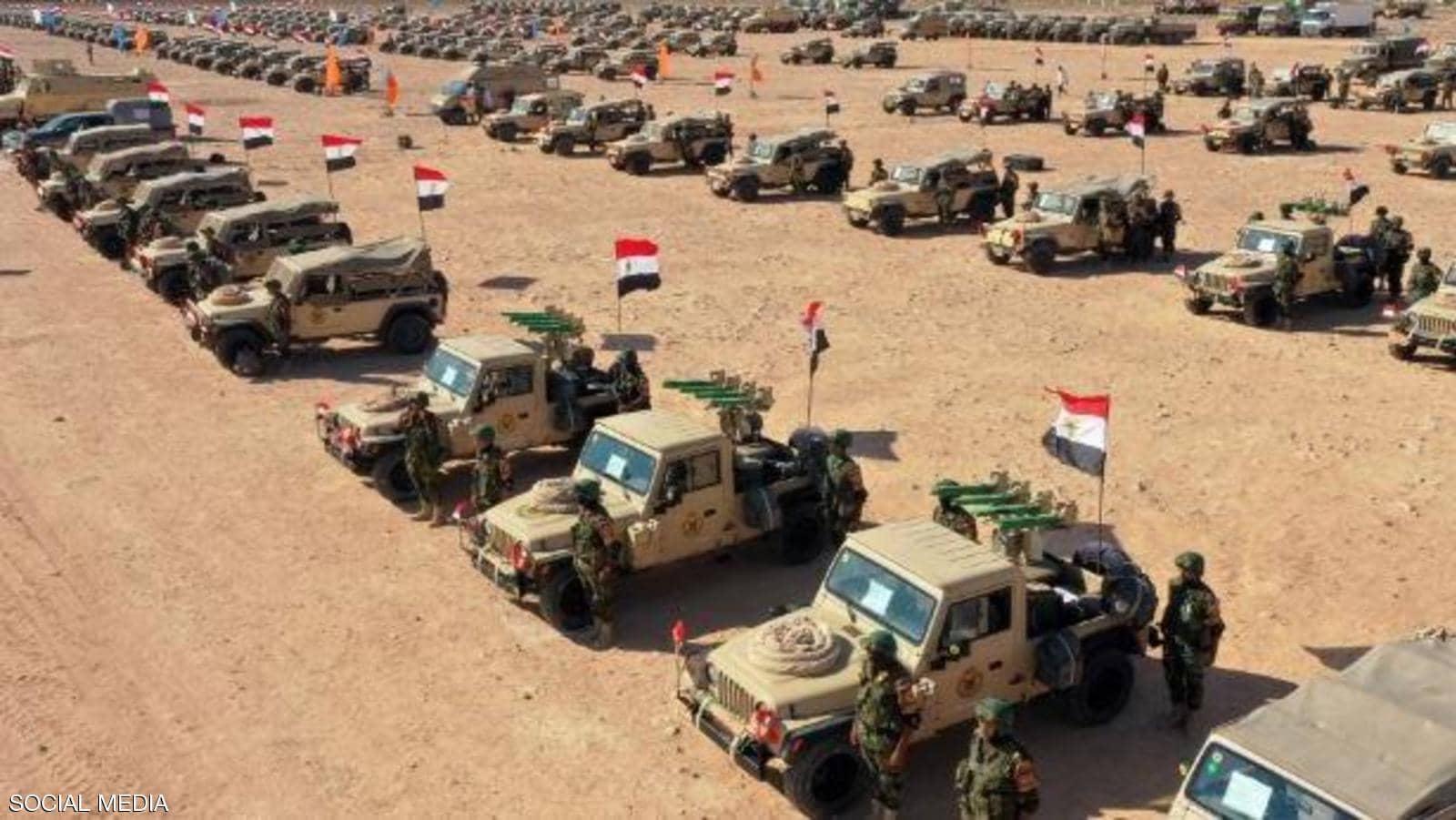 آلية الجيش المصري التي شاركت في الاصطفاف القتالي