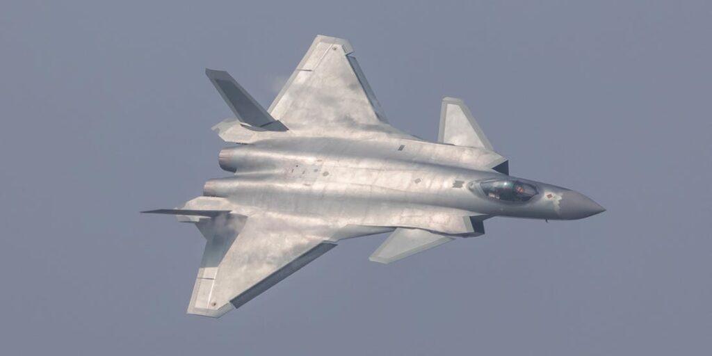 مقاتلة J-20