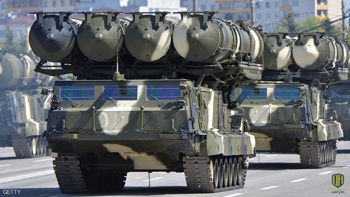 """ردً على مناورات """"الأسد الأفريقي"""".. إطلاق صواريخ من منظومة """"إس-300"""" في الجزائر (فيديو)"""