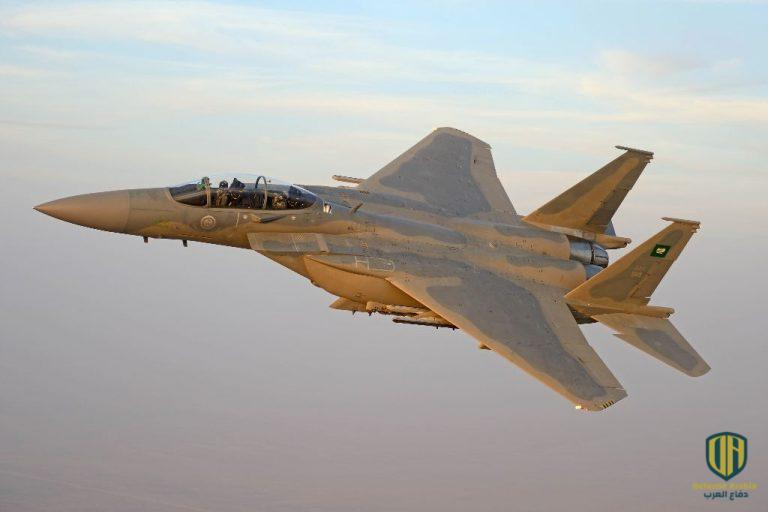 """بالفيديو: اختتام مناورات الإنزال الجوي """"طويق 2"""" في السعودية"""