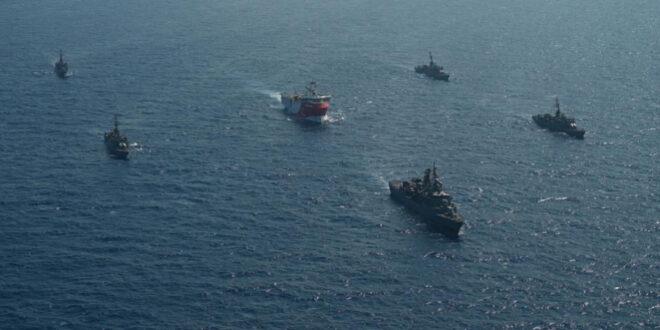 """القوات البحرية التركية ترافق """"أوروتش رئيس"""" شرقي المتوسط (الأناضول)"""