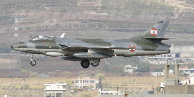 طائرة Hawker Hunter تابعة لسلاح الجو اللبناني