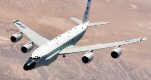 """طائرة استطلاع من طراز """"بوينغ أرسي-135"""""""