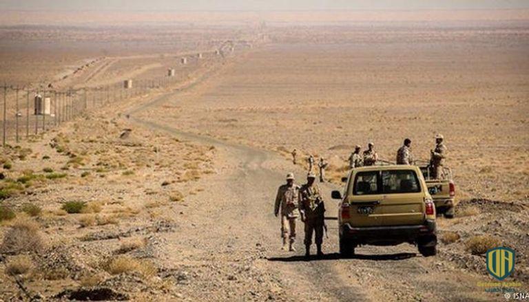عناصر من القوات الإيرانية على الحدود مع أفغانستان