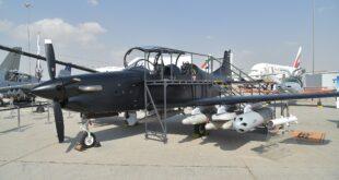 """صنعت في الإمارات.. تعرف على الطائرة الهجومية الخفيفة """"بي-250"""""""