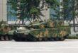 الصين تجهز دباباتها بصواريخ موجهة (فيديو)