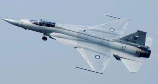 """مقاتلة باكستانية من طراز """"JF-17"""""""