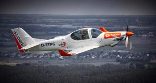 """طائرة التدريب التأسيسي """"جروب جي-120 تي بي"""""""