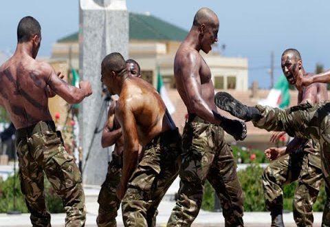 أفراد من الجيش الجزائري